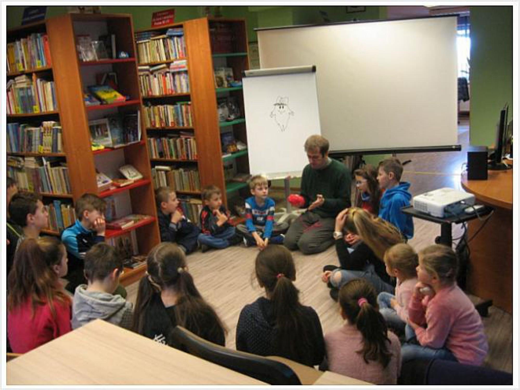 """""""Ferie z książką i nie tylko..."""" w Gminnej Bibliotece Publicznej w Waksmundzie oraz w Świetlicy Wiejskiej w Waksmundzie"""